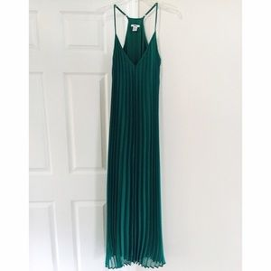 Pleated maxi summer dress